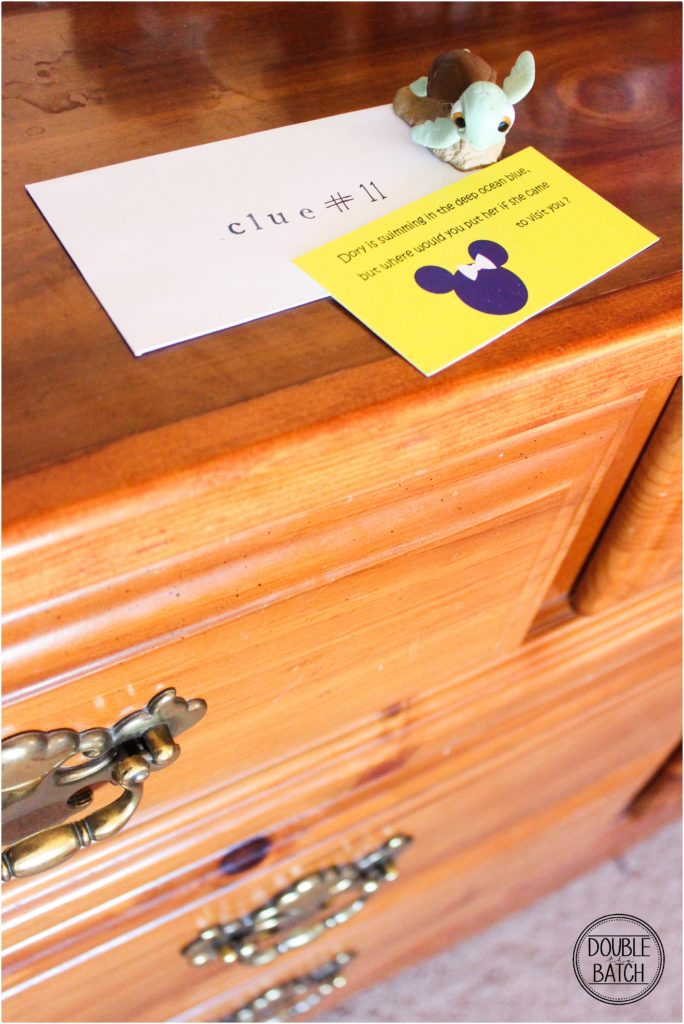 Adorable Disney Scavenger Hunt Clues to tell kids about a Disney Trip!