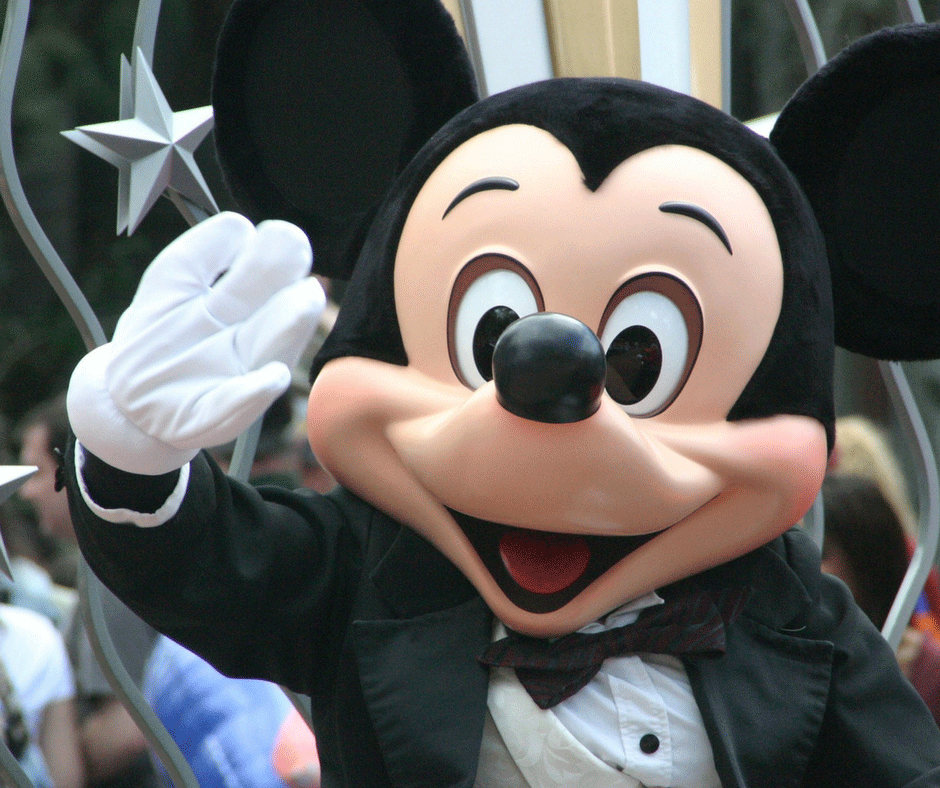 How to Spend Your First 3 Hours in Disneyland